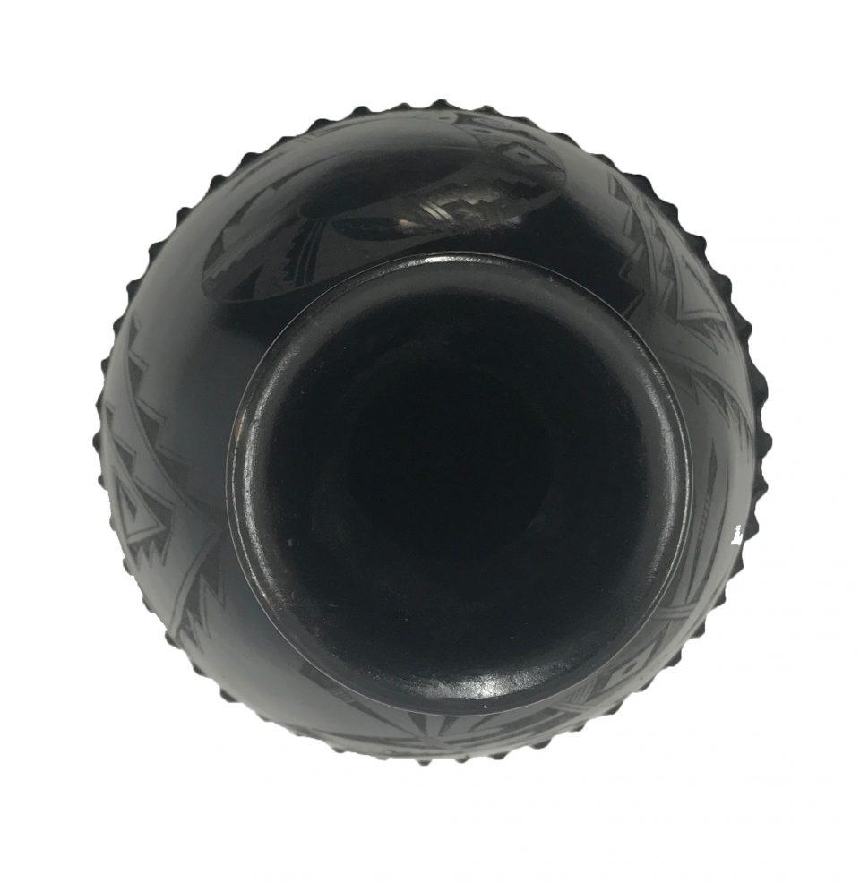 Black Pottery Wavy Vase (6)
