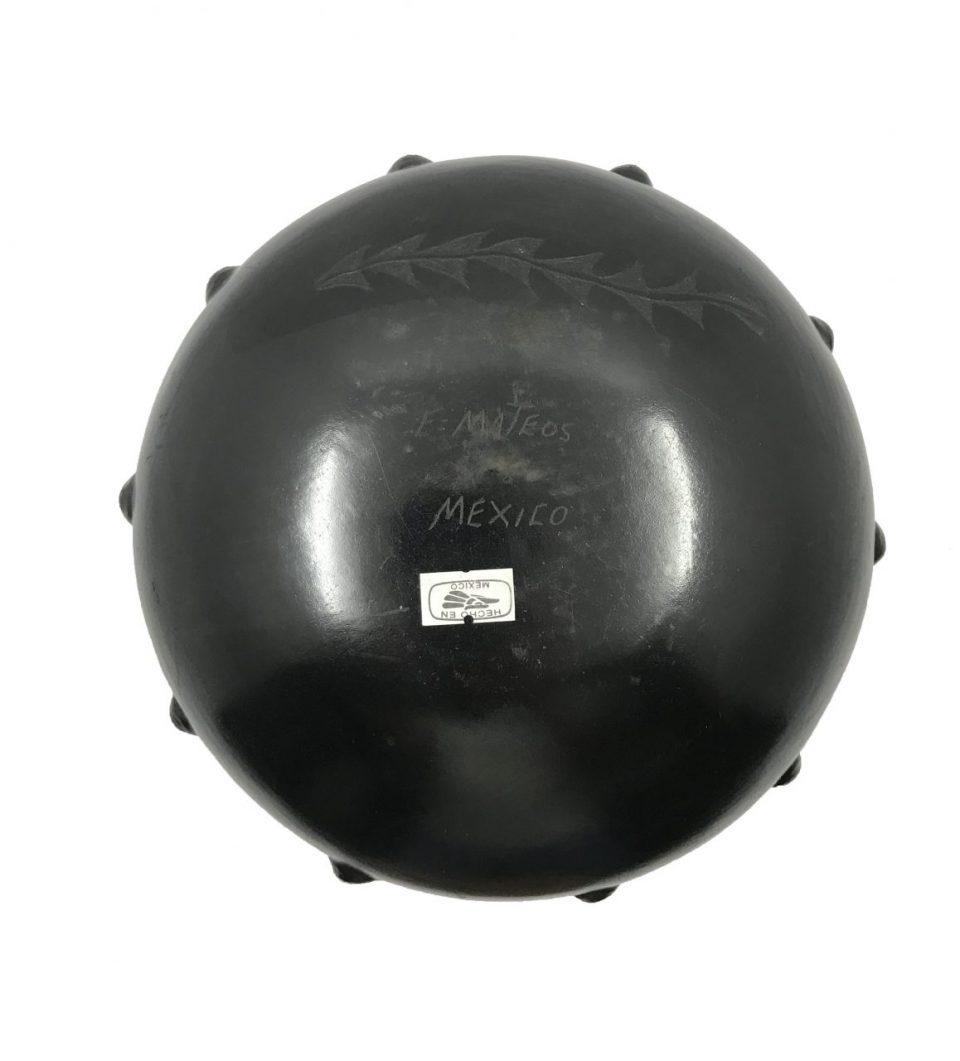 Black Pottery Medium Vase (6)